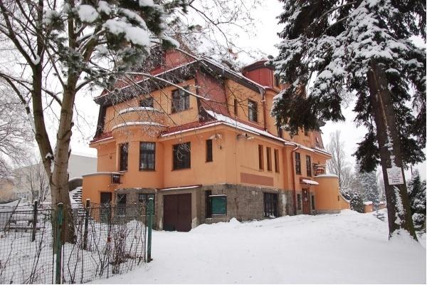 Penzion u přehrady v Jablonci - ubytování ve vile